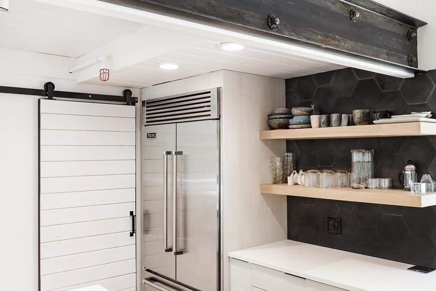 05-406-Hilldale-Way-kitchen-web.jpg