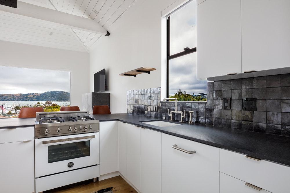 04-514-Bonita-kitchen-web.jpg