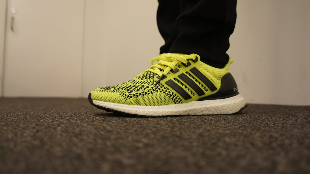 Ultra Boost 1.0 Neon