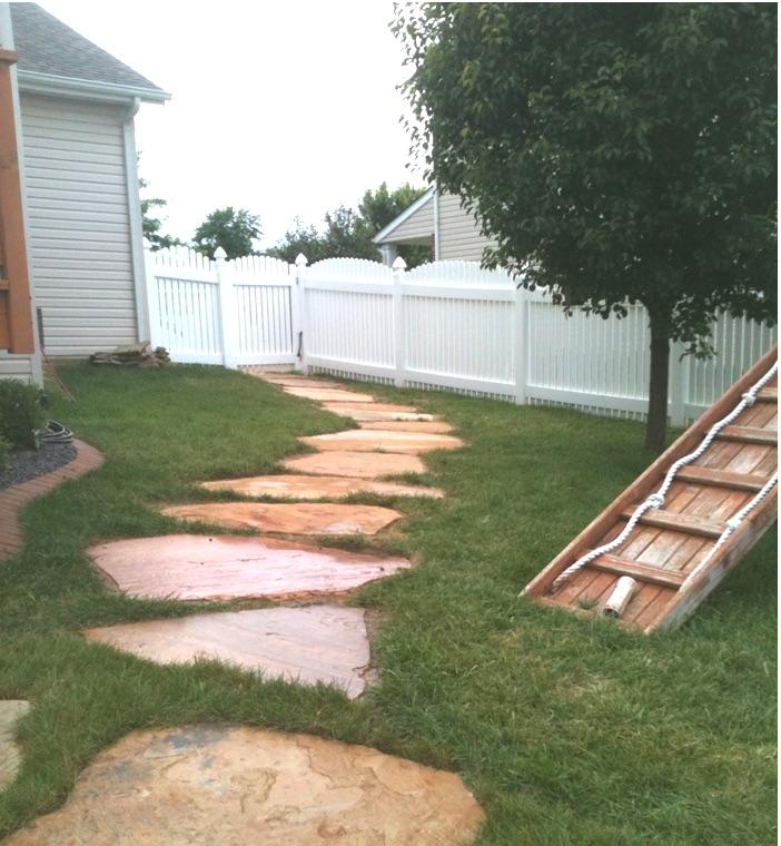 Walkway- Sandstone Flagstone .jpg