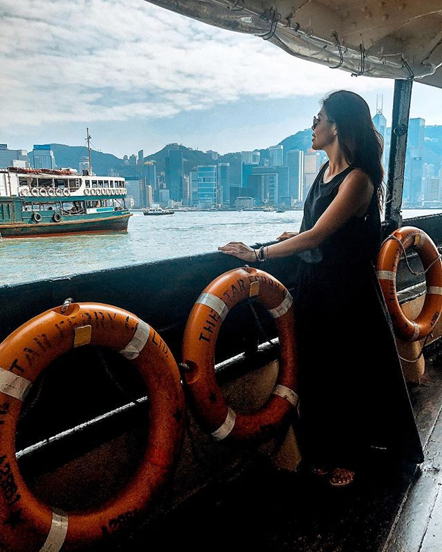 The Star Ferry 🚢 is a living piece of Hong Kong's history. Every time I'm in HK I insist on taking it (when possible) over the MTR. And I still drop all my spare change in the little WWF collection box in front of the giant panda (which I've been doing since I could walk!) The number of times that made my family miss the ferry is something they'll never let me live down 🤷🏻♀️🤣 »»»⠀⠀⠀⠀⠀⠀⠀⠀⠀⠀⠀⠀⠀⠀ #avecnoirxHongKong⠀⠀⠀⠀⠀⠀⠀⠀⠀⠀⠀ »»»⠀⠀⠀⠀⠀⠀⠀⠀⠀⠀⠀ »»⠀⠀⠀⠀⠀⠀⠀⠀⠀⠀⠀ »⠀⠀⠀⠀⠀⠀⠀⠀⠀⠀⠀ #sheisnotlost #girlsthatwander #ladiesgoneglobal #exploremore #ilovetravel #travelbloggers #girlsvsglobe #shetravels #instatravel #instapassport #solotravel #travelgoals #travelwomen #travelwithme #wearetravelgirls #picoftheday #wanderlust #travelandleisure #travelfemme #thetravelwomen #followingthegirls #globelletravels #speechlessplaces #beautifulmatters #traveltagged #beautifuldestinations #travelgoals #beautifulseasia