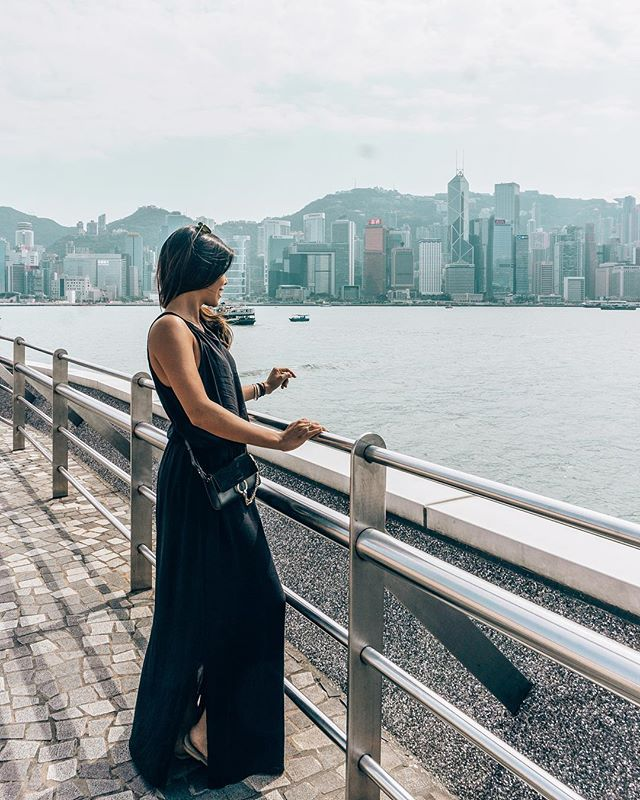 I've come here hundreds of times since I was a baby and this view just never gets old 🏙 »»»⠀⠀⠀⠀⠀⠀⠀⠀⠀⠀⠀⠀⠀⠀ #avecnoirxHongKong⠀⠀⠀⠀⠀⠀⠀⠀⠀⠀⠀ »»»⠀⠀⠀⠀⠀⠀⠀⠀⠀⠀⠀ »»⠀⠀⠀⠀⠀⠀⠀⠀⠀⠀⠀ »⠀⠀⠀⠀⠀⠀⠀⠀⠀⠀⠀ #sheisnotlost #girlsthatwander #ladiesgoneglobal #exploremore #ilovetravel #travelbloggers #girlsvsglobe #shetravels #instatravel #instapassport #solotravel #travelgoals #travelwomen #travelwithme #wearetravelgirls #picoftheday #wanderlust #travelandleisure #travelfemme #thetravelwomen #followingthegirls #globelletravels #speechlessplaces #beautifulmatters #traveltagged #beautifuldestinations #travelgoals #beautifulseasia
