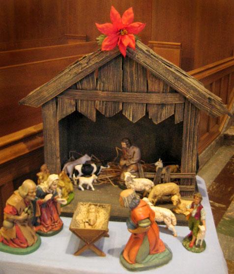 9.0 Altar creche.JPG