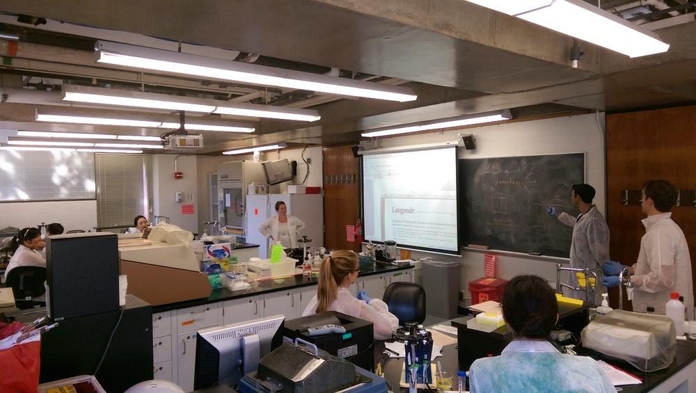 Professor Orkan explains aspects of the experiment.