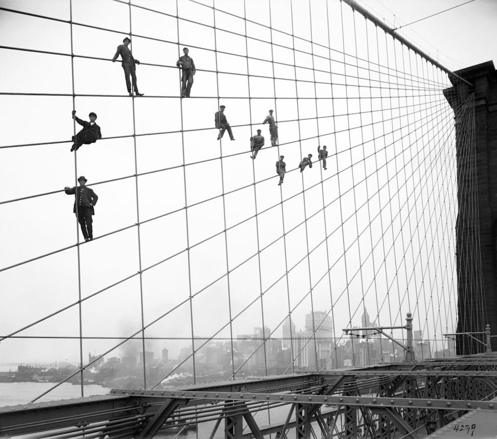 Brooklyn Bridge Built.jpg