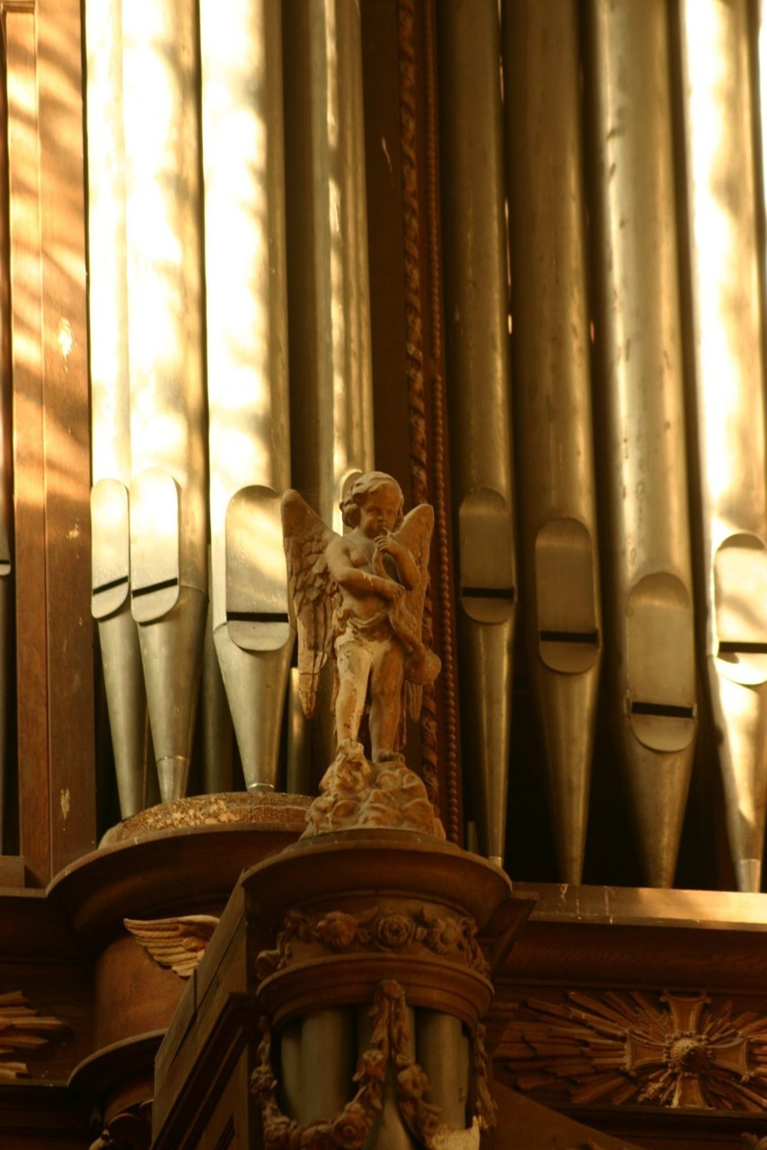 Organ St. Basile Etampes Contributed by William Dongois