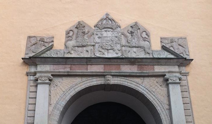 Two cornetto-playing angels above the door of the Christinae church in Jönköping, Sweden. Mid-17th Century. Contributed by Daniel Stighäll.