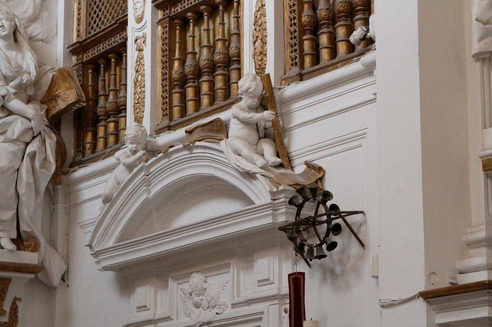 Cornetto playing cherub in the Oratorio di San Domenico, Palermo. Giacomo Serpotta, between 1710-1717.
