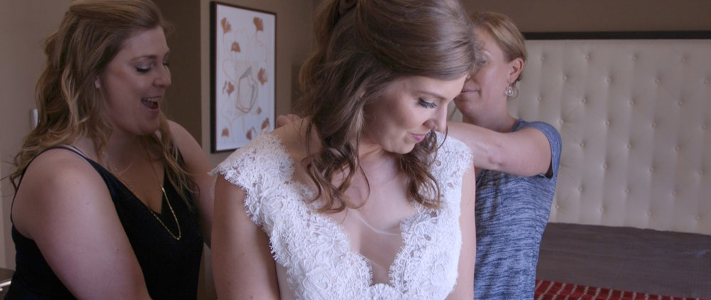 Lisa and Taylor-Oregon Wedding Video -4.jpg