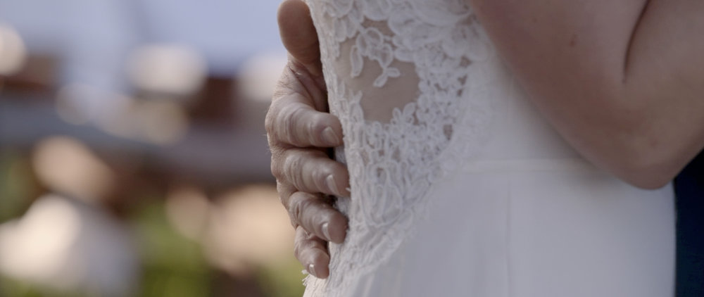 Lisa and Taylor-Oregon Wedding Video -13.jpg