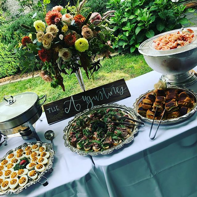 It's a beautiful day for a wedding! Congratulations Winburn and Dickie💕 #rvaweddings #rvacatering