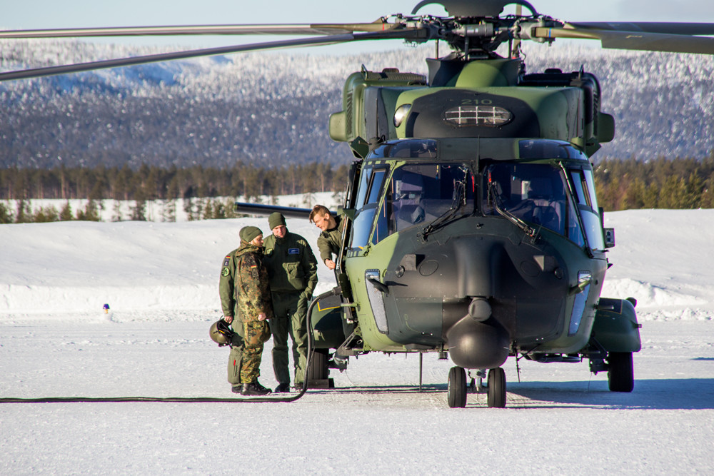The soldiers from Utti Jaeger Regiment were able to share a lot of experiences operating their helicopters in the harsh climate conditions north of the Arctic Circle