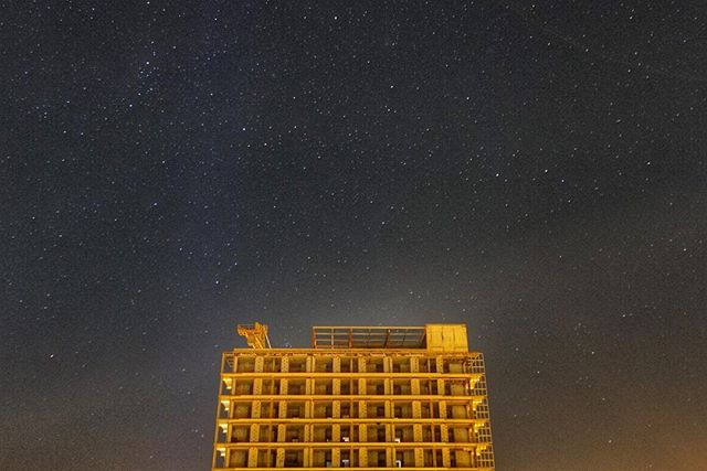 Exploring the possibilities of the new camera #urbanphotography #constructionsite #nightsky #starphotography #starysky #nightscene #clearsky #kolobrzeg #poland #rxmoments @sonyalpha #rx100v #sonycamera + @manfrottoimaginemore compact tripod #nightphotography #longexposure