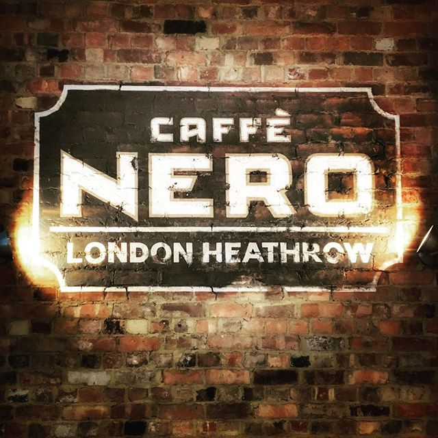 #caffenero #london #heathrow 🛬☕️🇬🇧 @cafe.nero @heathrow_airport #cafe #coffee #coffeetime #coffeeshopvibes #cafetime #café