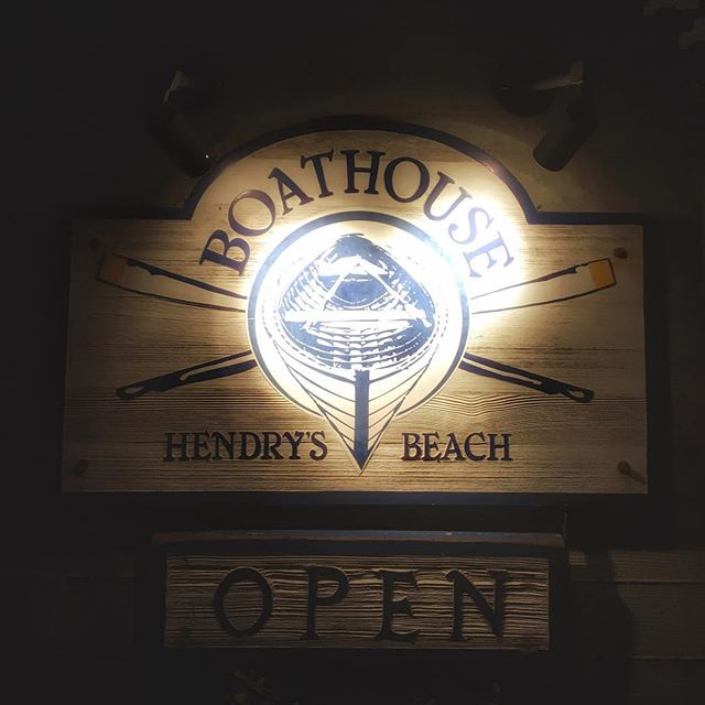 #Boathouse #hendrysbeach #santabarbara #california @sb_boathouse @visitsantabarbara #restaurant #logoinspiration #logodesign #logo #graphicdesign