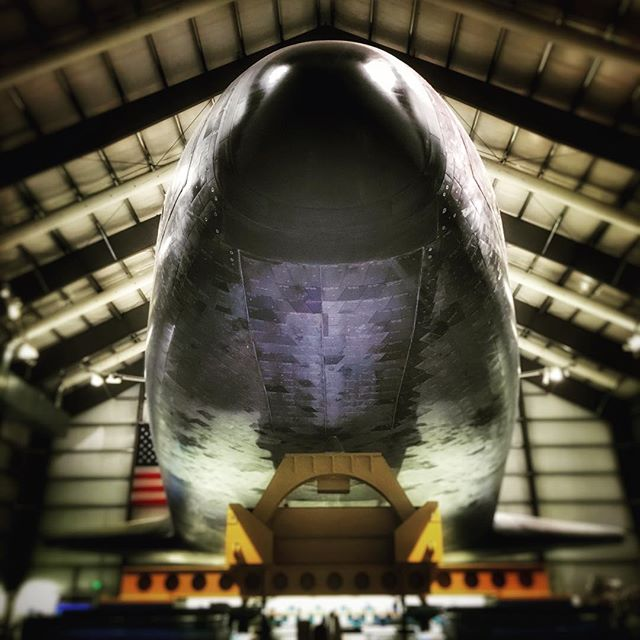 Amazing to see something that has been to outer space and came back🚀🌎 Still looking burned from the last re-entry into earth's atmosphere🔥- goosebumps every time I enter that hangar #spaceshuttle #endeavour #ov105 @nasa @californiasciencecenter #rocketscience #hellyeahitsrocketscience #spaceship #spacetechnology #orbitervehicle #orbiter #shuttle #Nasa #space #spaceflight #rockettechnology