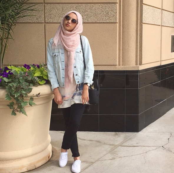 Light pink scarf + white sneakers