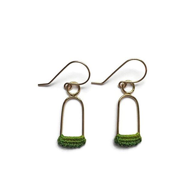 These little Linnu Earrings with hand dyed green lace are at @pikeplacepublicmarket today and online!