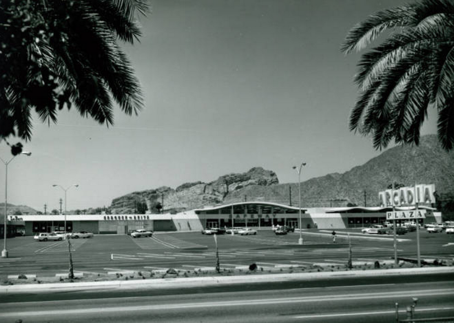 Arcadia Plaza early 1960's