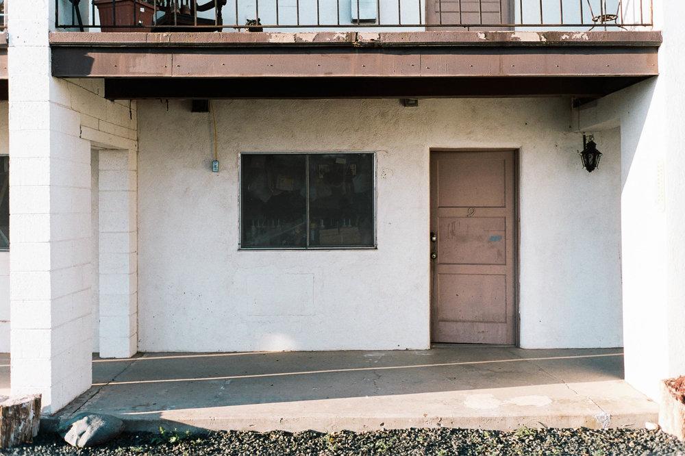 nate-matos-arizona-motel-9.jpg