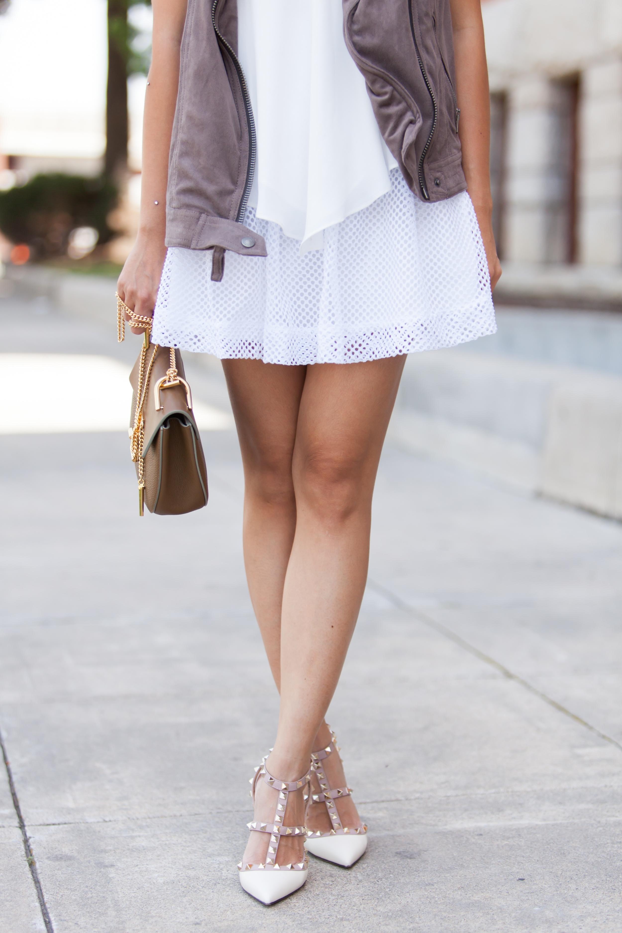 White Crochet Skirt (10 of 12)