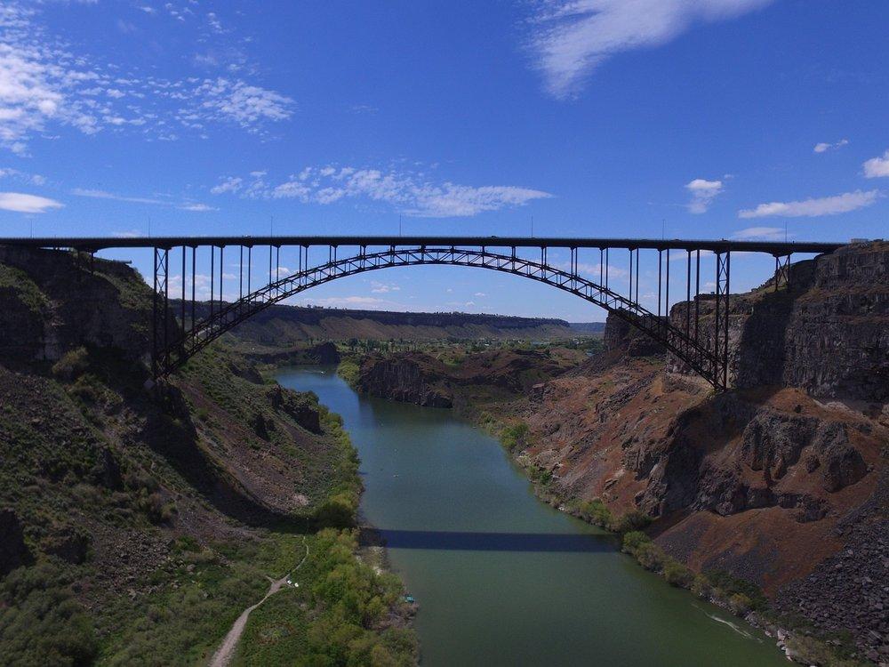 bridge-2958971_1280.jpg