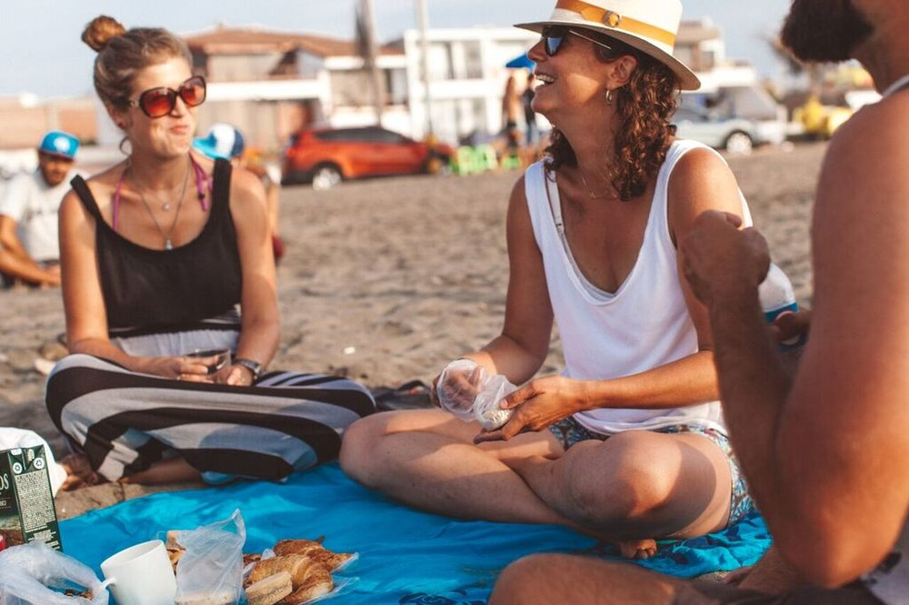 Beach picnic  —  Source: Catherine Bernier (   @cath.be   )