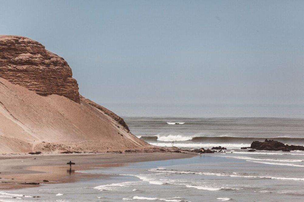 Chicama surf  —  Source: Catherine Bernier (   @cath.be   )