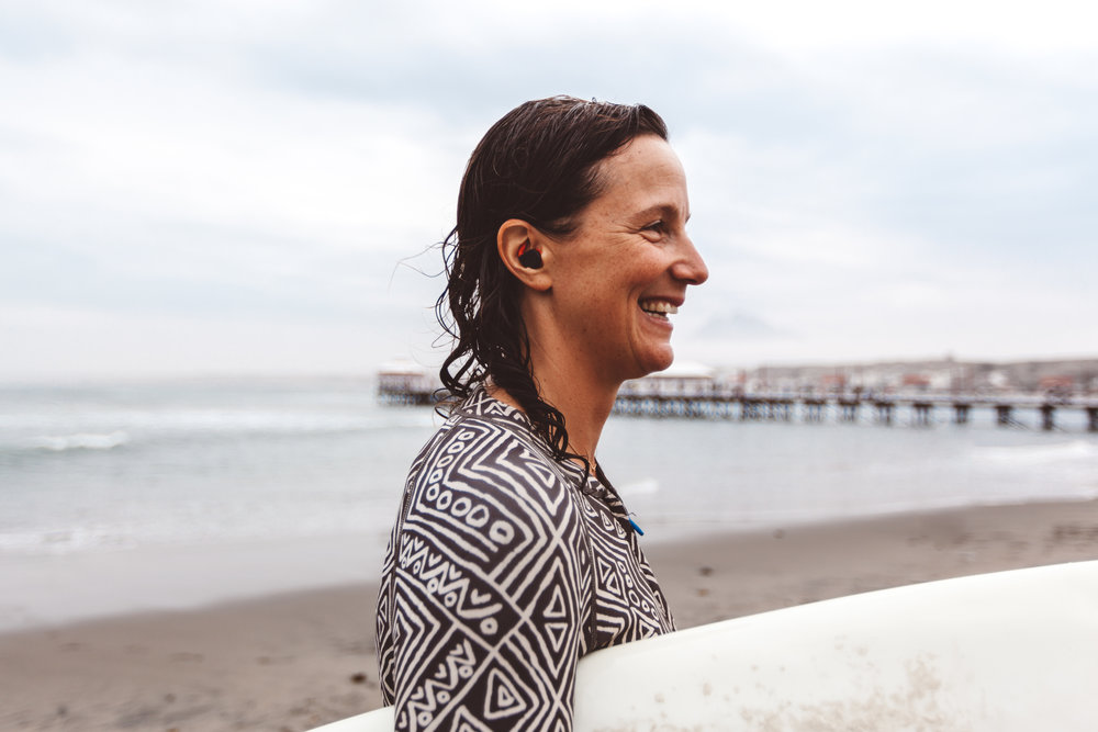 Amy smiling after a successful surf session  —    Source: Catherine Bernier (   @cath.be   )