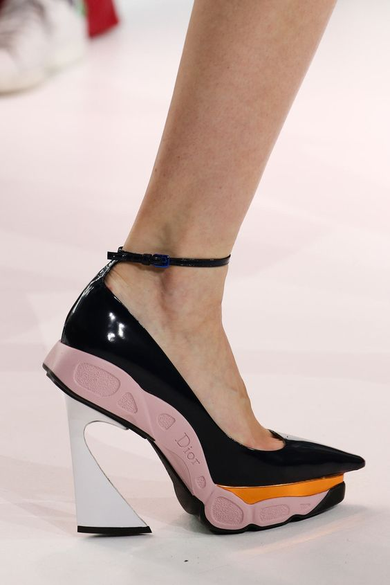 Gabriela Peregrina_strutting my style_shoes 2019_1.jpg