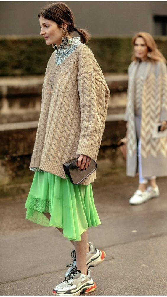 Gabriela Peregrina_strutting my style_shoes 2019_sneaker trends.jpg