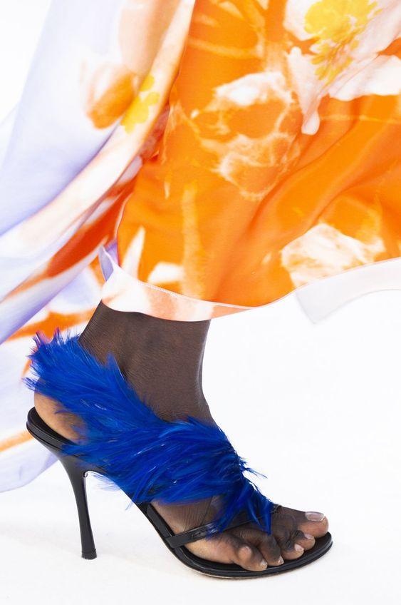 Gabriela Peregrina_strutting my style_shoes 2019_feather heels.jpg