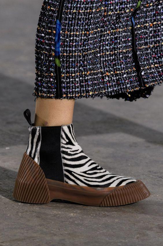 Gabriela Peregrina_strutting my style_shoes 2019_animal print.jpg
