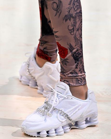 Gabriela Peregrina_strutting my style_shoes 2019_sneakers.jpg