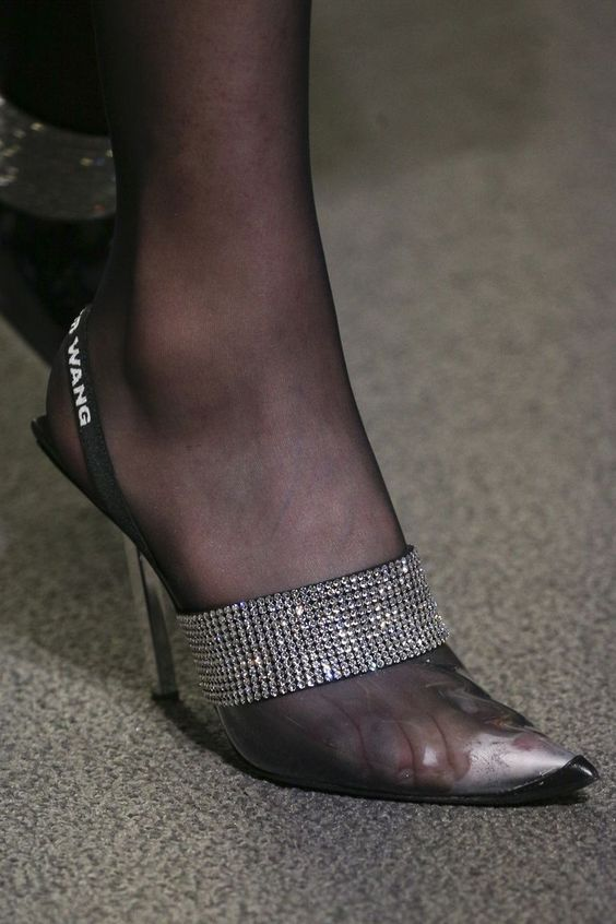 Gabriela Peregrina_strutting my style_shoes 2019_glittery.jpg