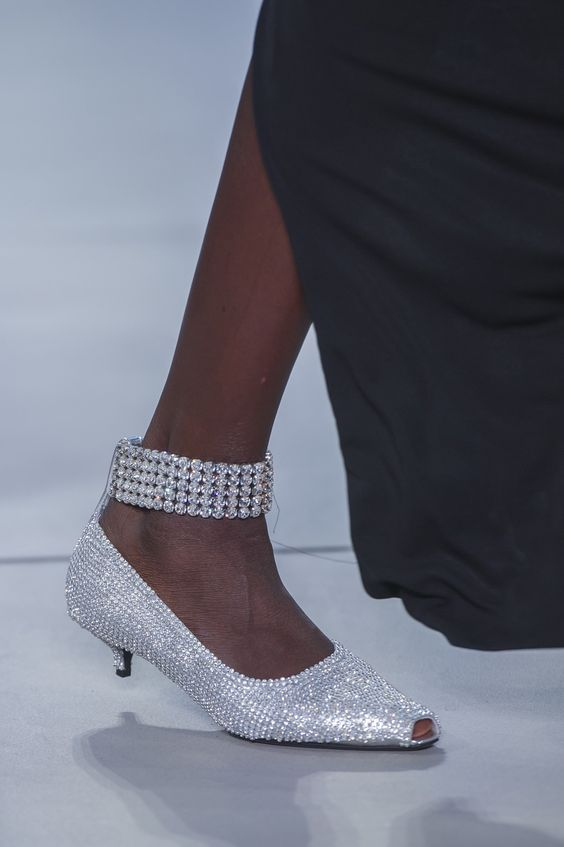 gabriela peregrina_strutting my style_shoes 2019_glitter.jpg