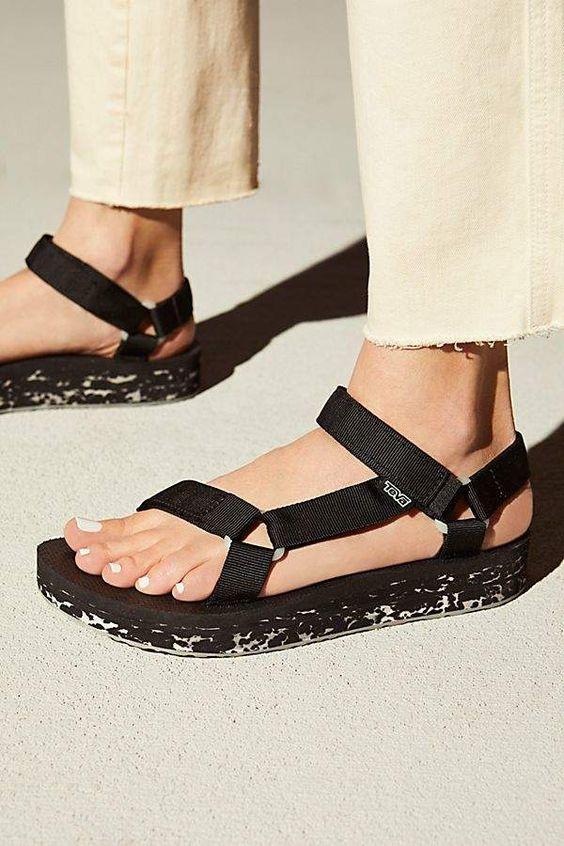 gabriela peregrina_strutting my style_teva inspired sandals.jpg