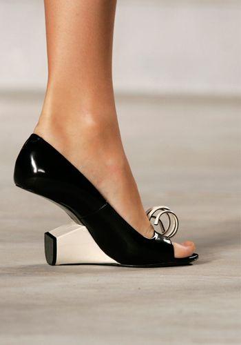 gabriela peregrina_strutting my style_shoes 2019_architectual heels_fashion.jpg