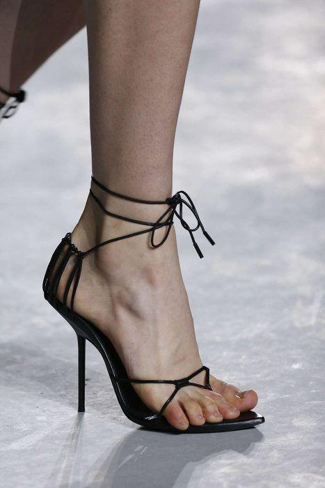 gabriela peregrina_strutting my style_shoes 2019_thin.jpg