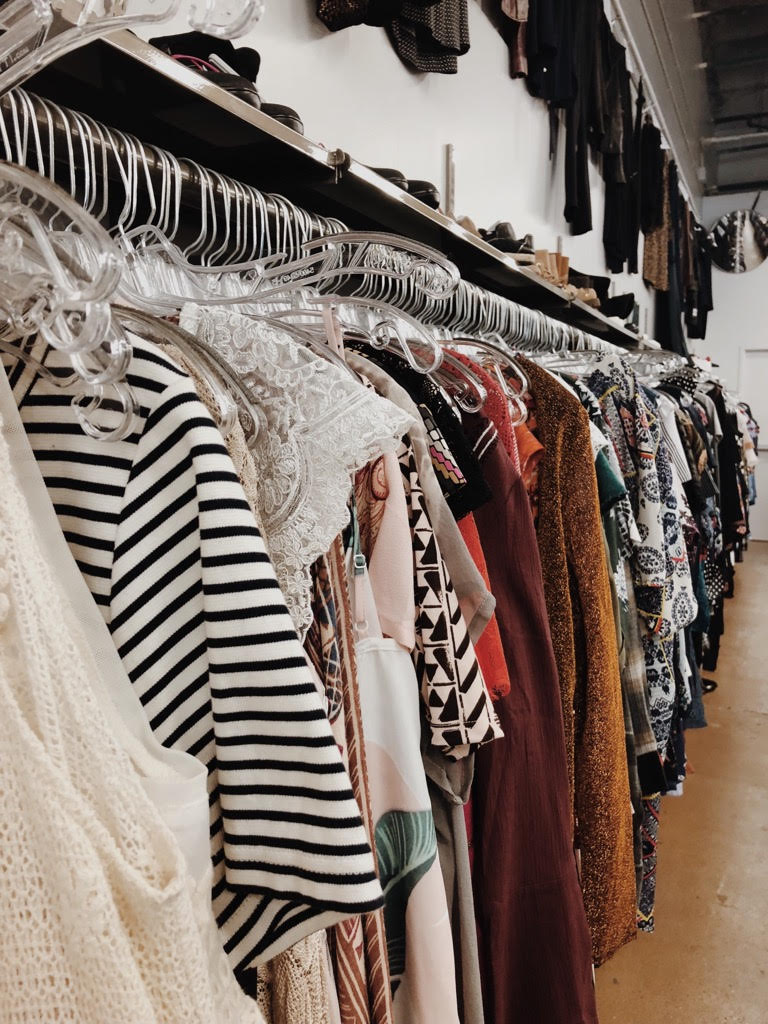 how-to-shop-for-vintage-online_gabriela-peregrina_fashion