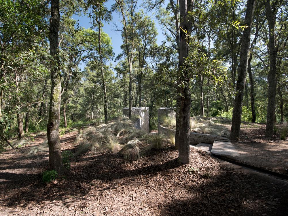 lq bosque - mauseleo03.jpg