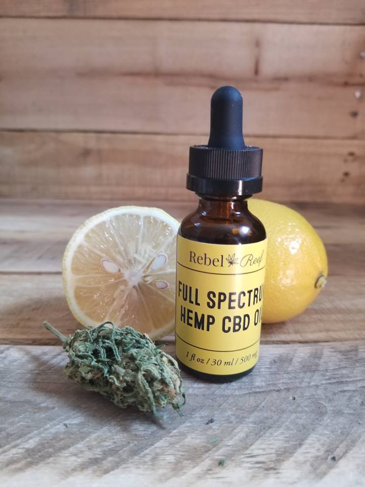 Lemon Lift CBD Oil - Brighten your life and find your center with the goodness of lemon and hemp.