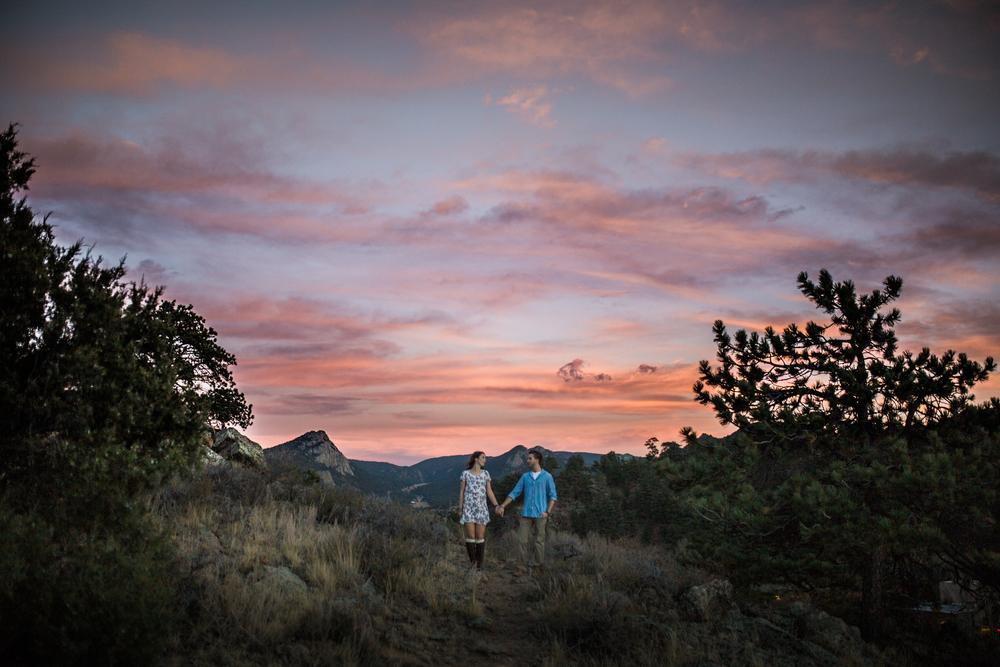 sunset engagement pictures Estes Park, Colorado