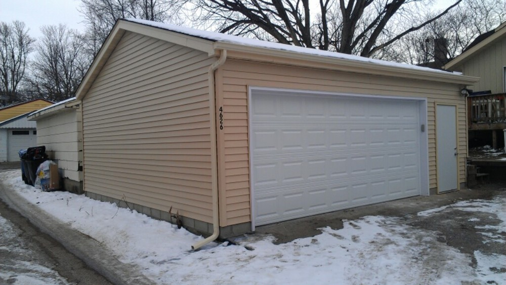 ABTCO Vinyl Siding on Garage