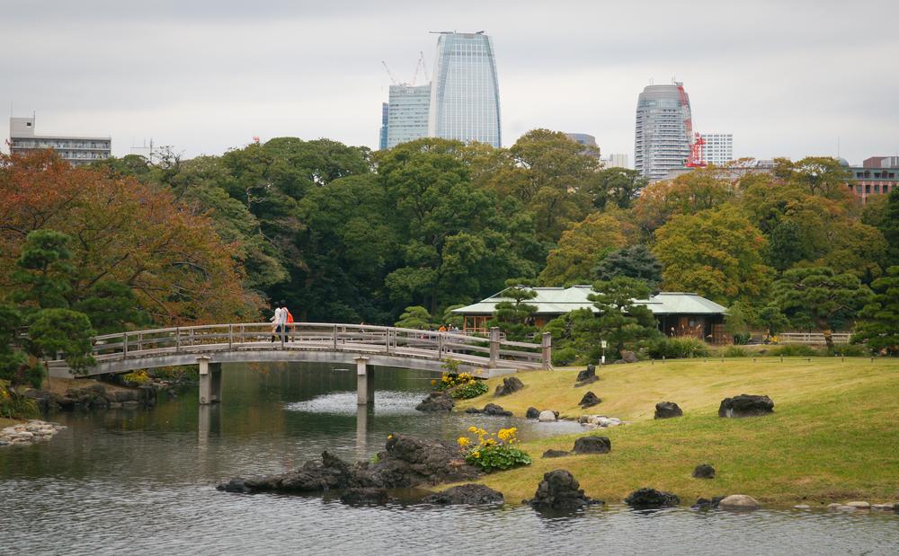 Hama-rikyu Gardens and skyline