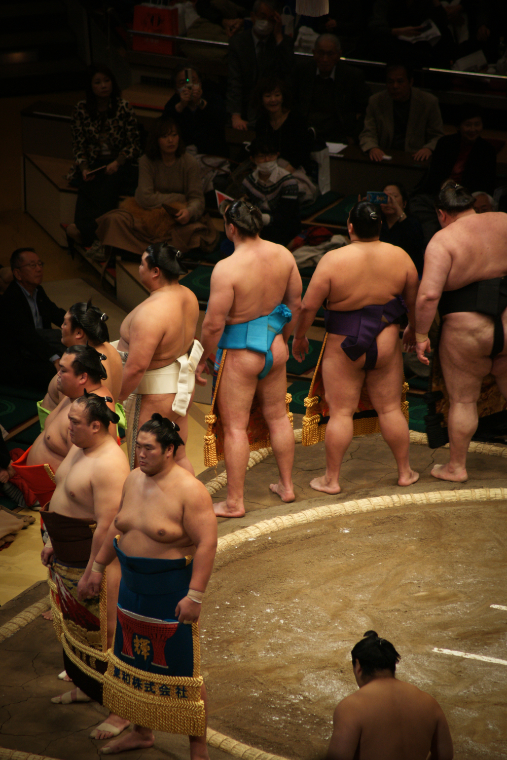 Makuuchi Wrestlers entering the ring