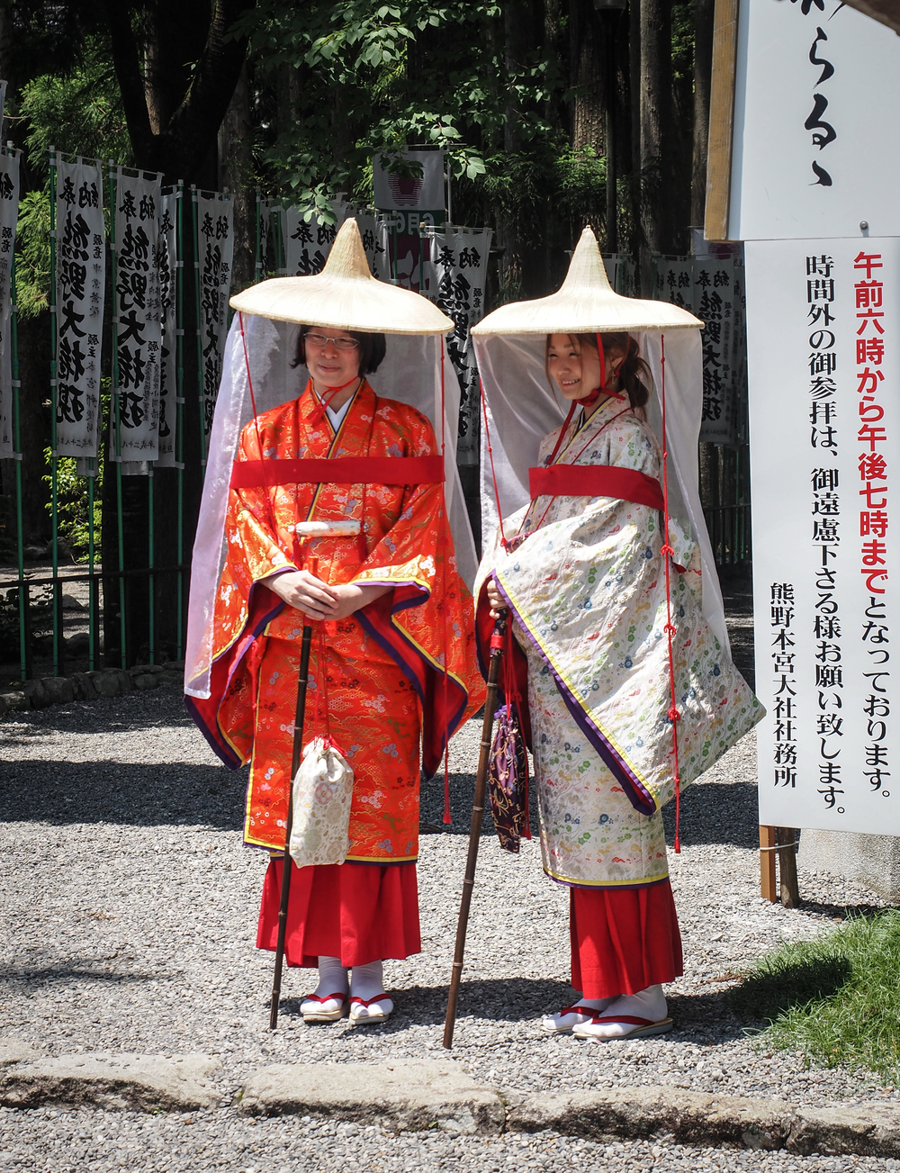 Women dressed in historic pilgrim attire