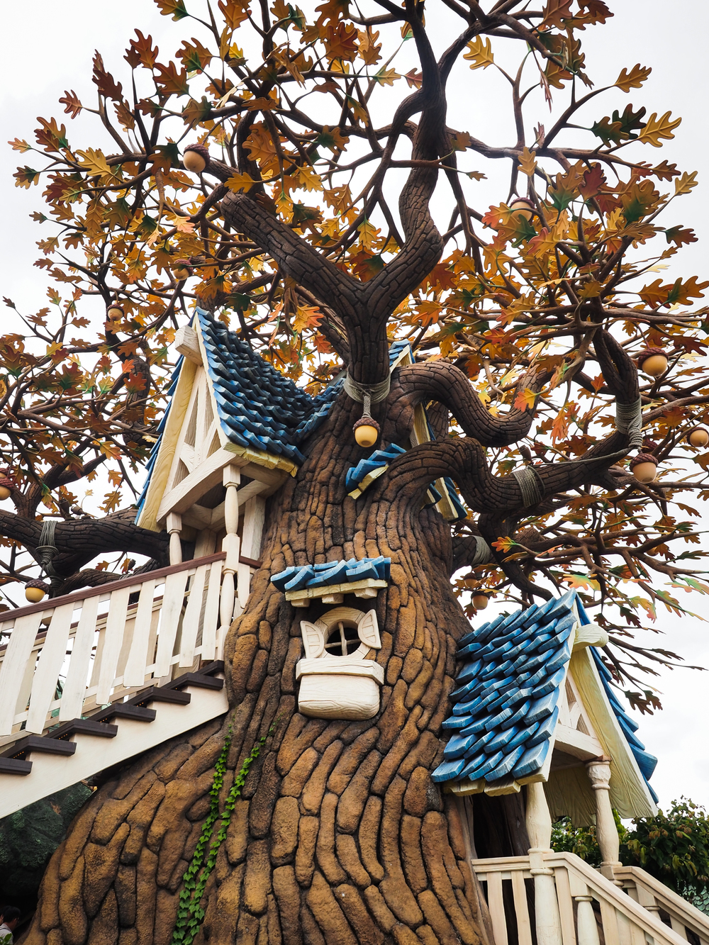 Chip & Dale Treehouse