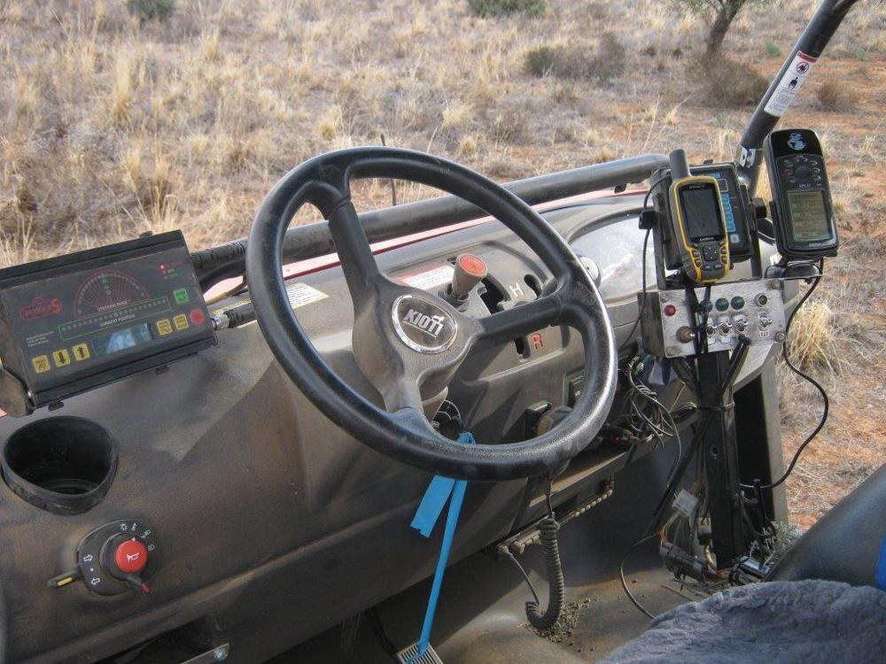 The latest GPS steering guidance and spraying technology are used with this unit.