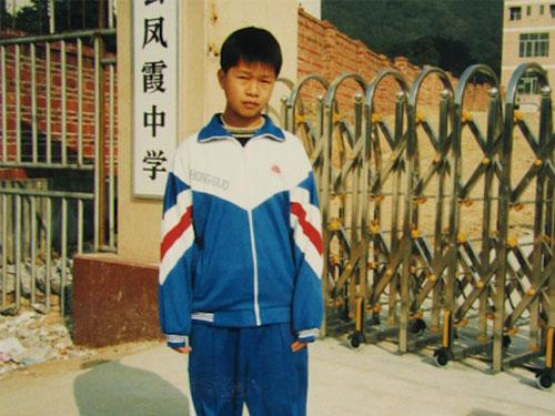 Paul  於  1999  年入住陽光兒童村時是個小男孩